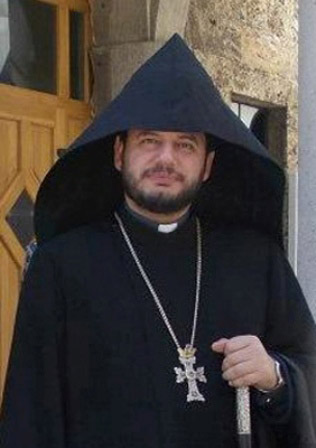 V Rev Hovakimian